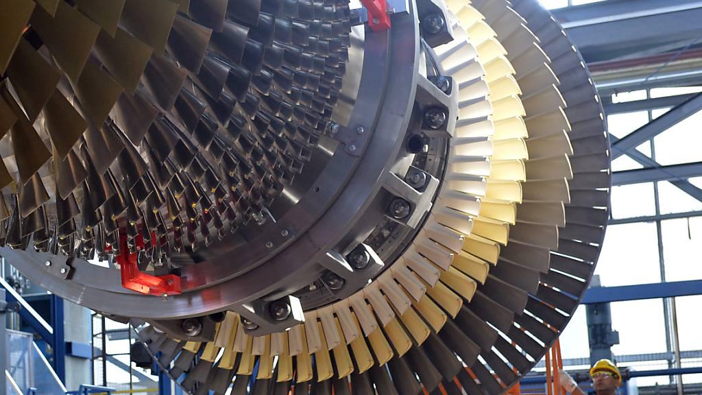 Siemens hebt Umsatz- und Gewinnprognosen deutlich an
