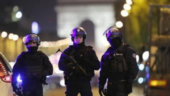 Tödliche Schüsse auf Pariser Polizei (V2)