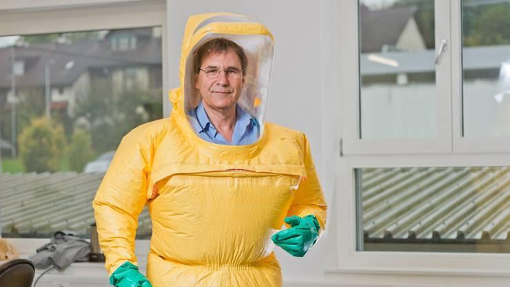Gerüstet für alle Fälle: TB-Safety-Geschäftsführer Nik Keel im von ihm entwickelten Schutzanzug.