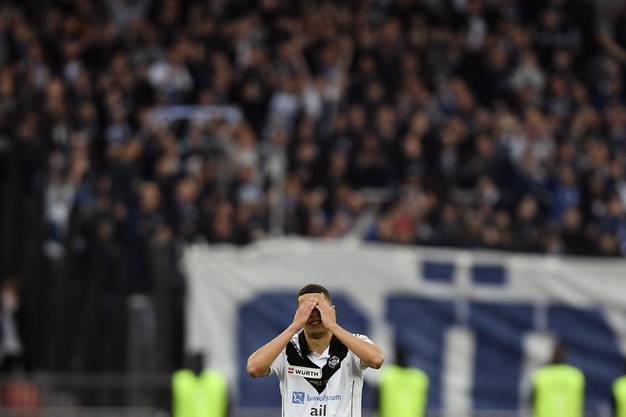Die Spieler des FC Lugano sind Enttäuscht.