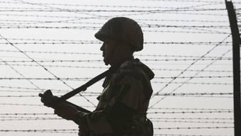 Scharmützel kommen entlang der Kontrolllinie zwischen den von Indien und Pakistan beherrschten Teilen Kaschmirs immer wieder vor. (Archivbild)