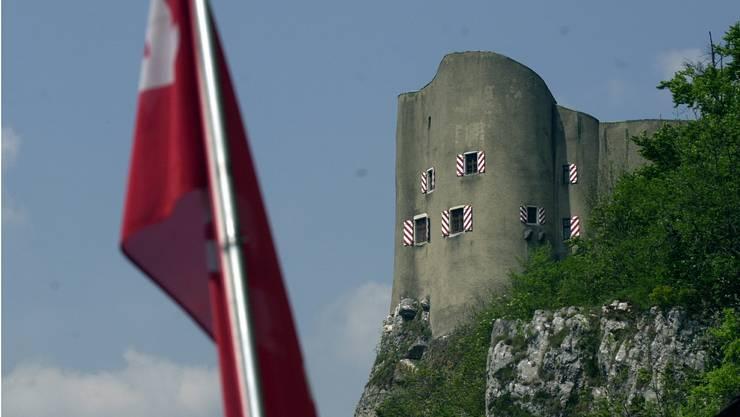 Die erste Sitzung mit Vereidigung des neuen Gemeinderates fand auf dem ehemaligen Landschreiberschloss Alt-Falkenstein statt.