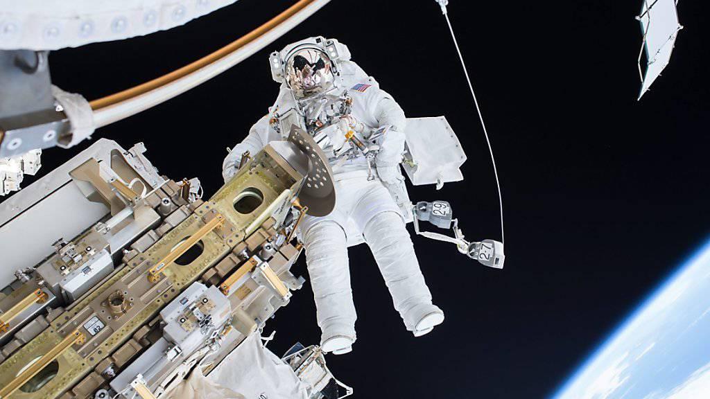 Das möchten die 18'300 Personen erleben, die sich für einen NASA-Astronauten-Job beworben haben (Archiv)
