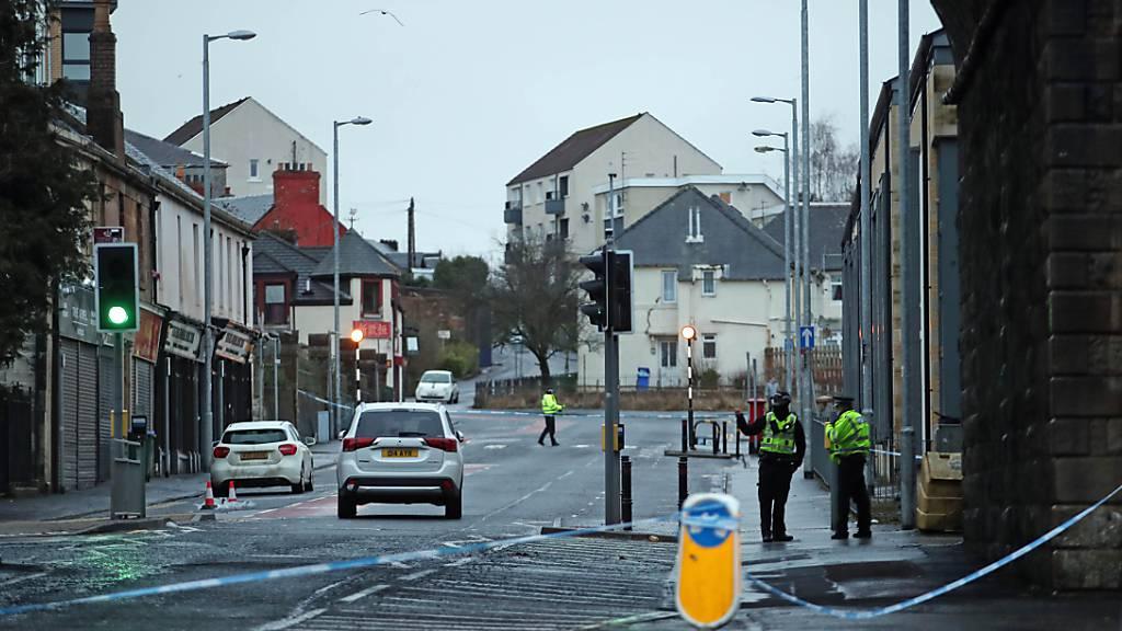Drei Tote nach Angriffen rund um schottisches Krankenhaus