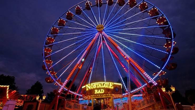 33 Meter hoch ist das Nostalgie-Riesenrad, das an der Wyna-Expo 2016 im Reinacher Moos stehen wird.