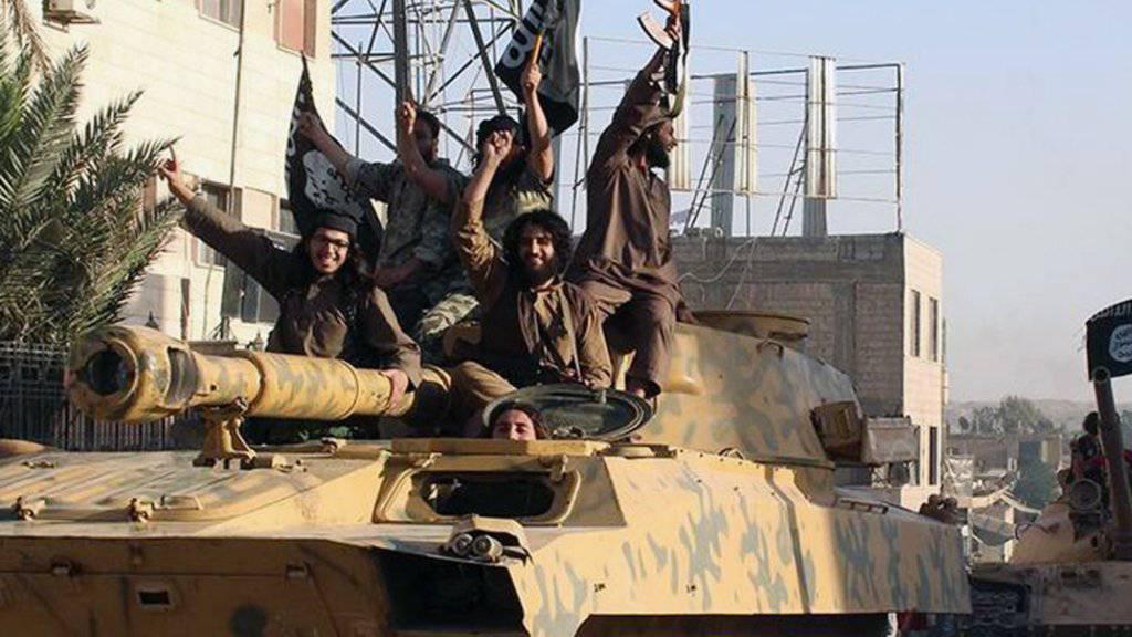 20'000 für Dschihadisten bestimmte Uniformen sind in Spanien beschlagnahmt worden. (Symbolbild)