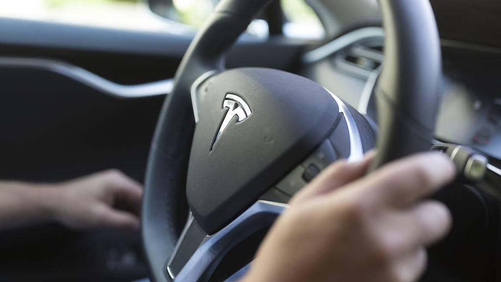 Zwei Tote bei Unfall mit autonom fahrendem Tesla in Texas