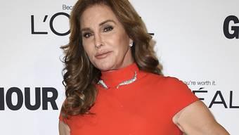 Transfrau Caitlyn Jenner findet es katastrophal, dass sie wegen Donald Trump jetzt wieder aufs Männerklo muss. (Archivbild)