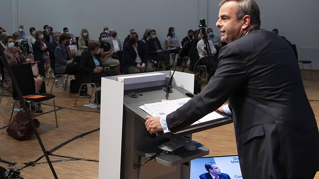 Gerhard Pfister als Präsident der Mitte bestätigt