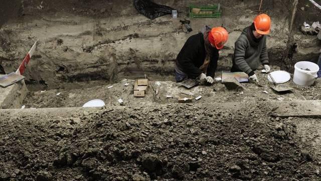 Ausgrabung einer Pfahlbausiedlung in Zürich