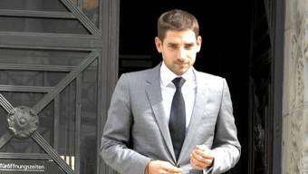Carl Hirschmann auf dem Weg zum Bezirksgericht (7. September 2011)