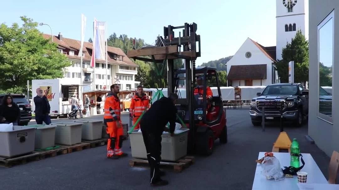 Bei 600 Kilogramm bricht die von Sven Schneider gebaute Müll-Brücke