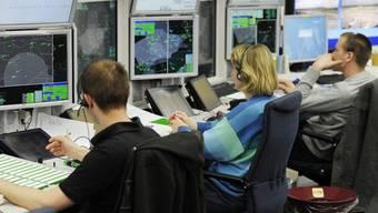 Bern - 6.9.16. - Der Sprecher von Skyguide, Roger Gaberell sagt vor den Medien: «Es scheint, dass das Handeln der Flugsicherung zum Unglück in der Sustenregion beigetragen hat.»