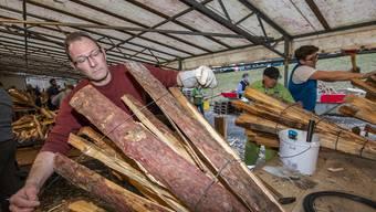 Wie sich Chienbäse-Macher auf den Umzug vorbereiten