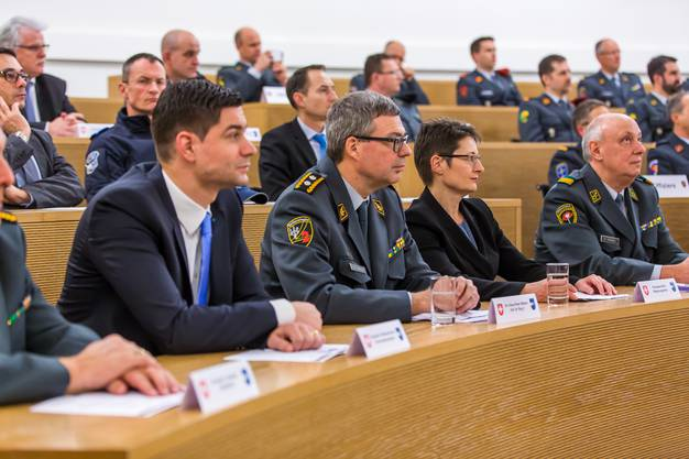 Grossratspräsident Benjamin Giezendanner, Divisionär Hans-Peter Walser, Regierungsrätin Franziska Roth, Oberst Rolf Stäuble