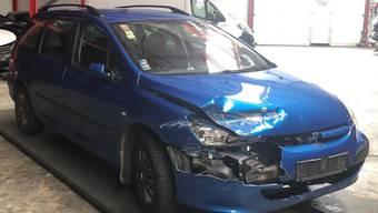 Dieser Peugeot 307 fiel heute Morgen wegen seiner Fahrweise negativ auf.