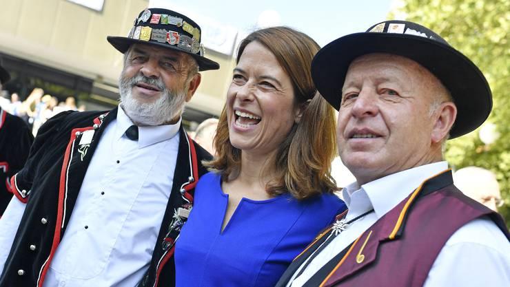 FDP-Präsidentin Petra Gössi gibt sich volksnah.