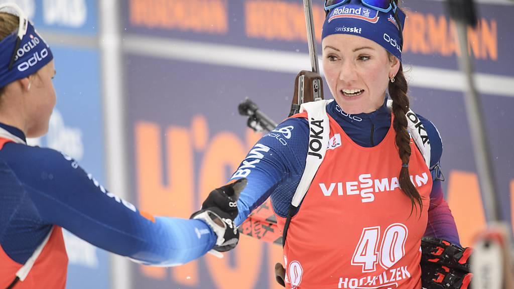 Guter Start, schlechte Fortsetzung: Irene Cadurisch brachte die Schweizer Staffel als Startläuferin gut auf Kurs, doch Selina Gasparin (re.) leistete sich zu viele Schiessfehler