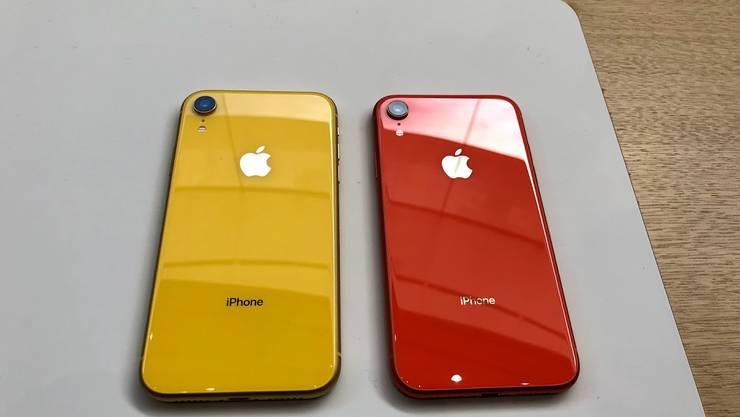 Das iPhone Xr gibt es in den Farben Blau, Gelb, Koralle und Rot, sowie natürlich in schwarz und weiss.