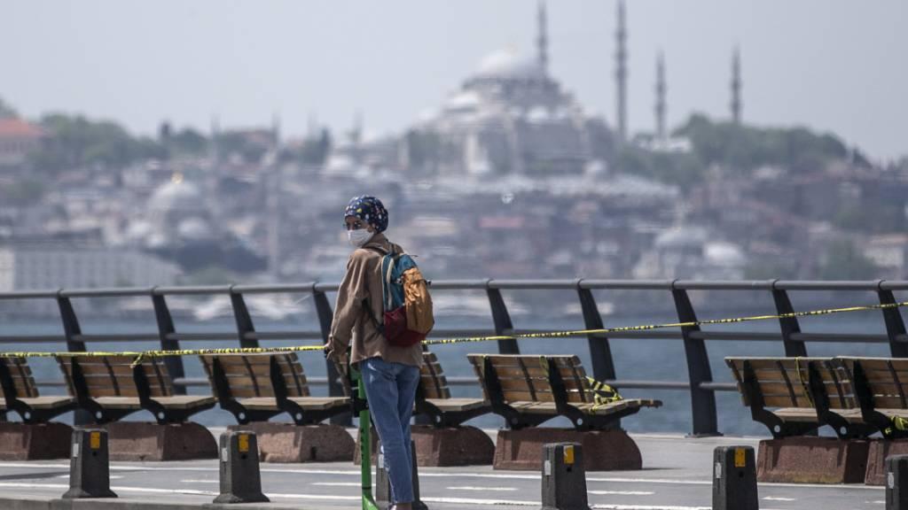 Die Türkei hat für die kommenden Tage erneut rigide Massnahmen gegen die Ausbreitung des Coronavirus erlassen. (Symbolbild Istanbul)