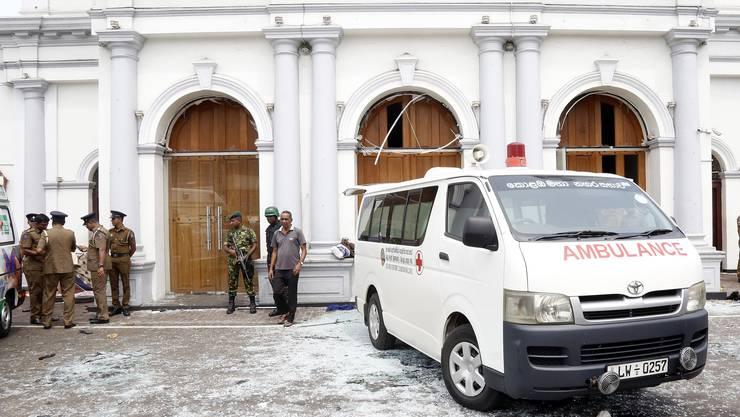 Mehrere Kirchen in Sri Lanka wurden am Ostersonntag von Explosionen erschüttert. (Bilder: Keystone)