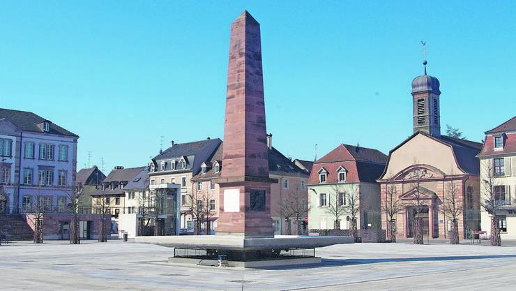Leergefegt: Die gewöhnlich belebte Place Abbatucci in Huningue gibt ein surreales Bild ab.