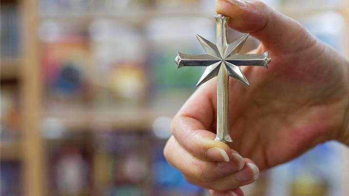 Ist die CVP-Kandidatin für die Schulpflege in Hägglingen Mitglied von Scientology?