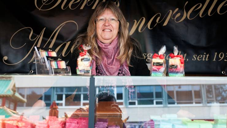 Ursula Jost an ihrem Stand an der Herbstmesse