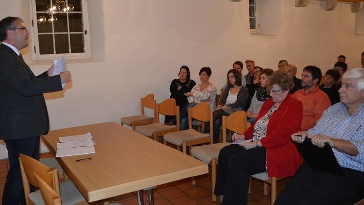 «Meinungen spüren»: Regierungsrat Remo Ankli diskutierte mit Lehrkräften in Egerkingen über die Schulreform.