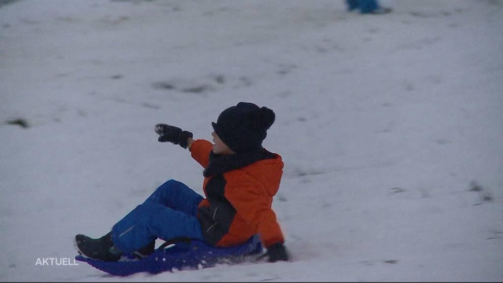 Neujahr im Schnee: Die Schlittel-Hänge in der Region waren heute ein beliebtes Ausflugsziel