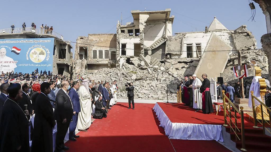 Papst kritisiert Machtmissbrauch – Abschliessende Messe in Erbil