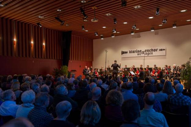 Schon bald wieder zu hören: der Klarinettenchor Wettingen vor zahlreichen, begeisterten Zuhörern
