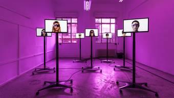 Medienkunst der Mediengruppe Bitnik in der Ausstellung Future Love des HEK.