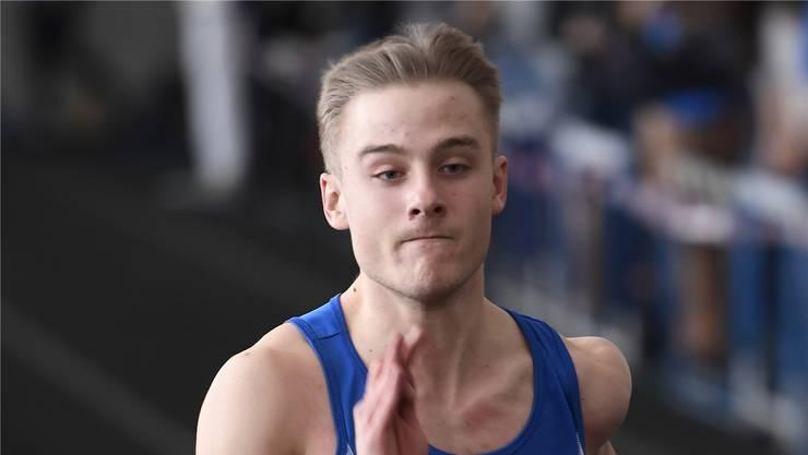 Tim Uhlir sprintet am Tägi-Meeting in Wettingen zum Sieg über 50 Meter.