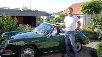 Da waren Sportwagen noch handlich: Jan Swager van Dok mit seinem restaurierten Porsche 912.