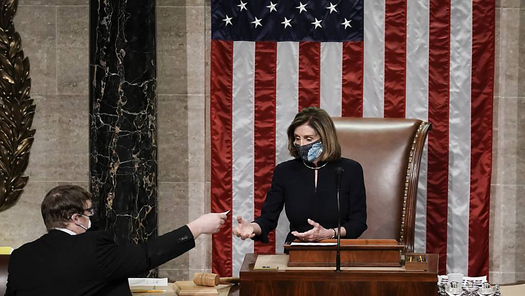 Nancy Pelosi, Sprecherin des Repräsentantenhauses, leitet die Schlussabstimmung um das Amtsenthebungsverfahren gegen Präsident Trump.