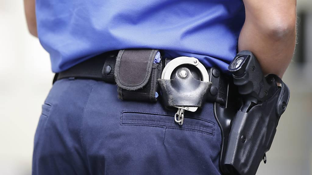 Raubüberfall auf zwei 19-Jährige in Basel