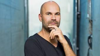 Nicolas Stemann nimmt sich nicht zu ernst in seiner neuen Leitungsrolle in Zürich.