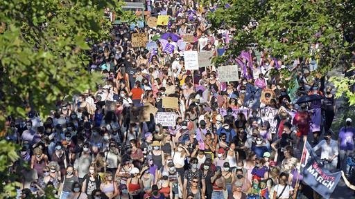 Tausende gingen auf die Strasse für die Gleichberechtigung