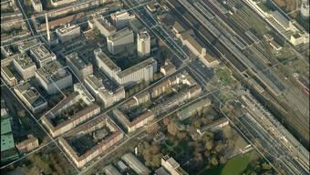 Der Agrochemiekonzern Syngenta besitzt den Teil des Areals gegenüber des Badischen Bahnhofs, das markanteste Gebäude darauf wird abgerissen und ersetzt. (Archiv)