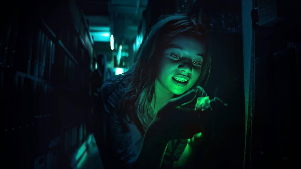 Luna Wedler spielt in «Biohackers» die geheimnisvolle Medizinstudentin Mia.