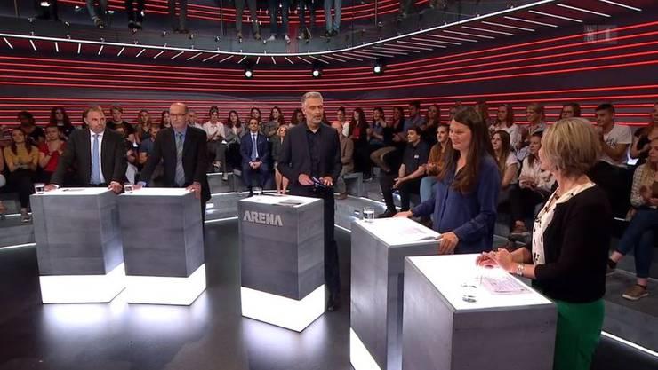 Die Teilnehmer der Pestizid-Arena: Marcel Dettling, Markus Ritter, Moderator Sandro Brotz, Tiana Angelina Moser, Maya Graf.
