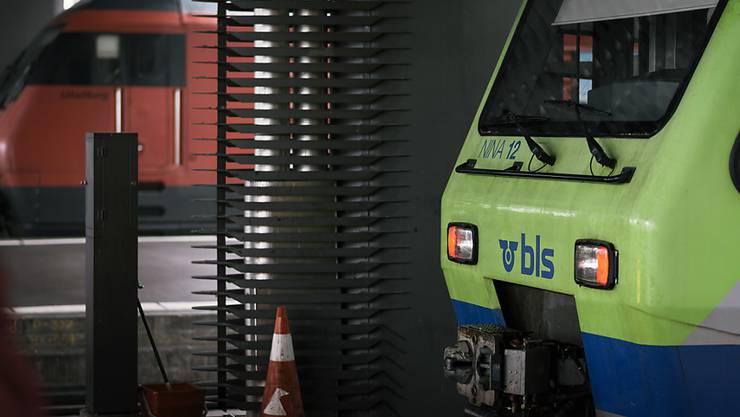 Die SBB lässt den Entscheid des Bundesamtes für Verkehr, der BLS zwei Fernverkehrslinien zuzuteilen, vom Bundesverwaltungsgericht prüfen. (Themenbild)