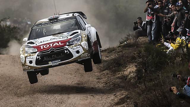 Kris Meeke im Citroën auf dem Weg zum Sieg