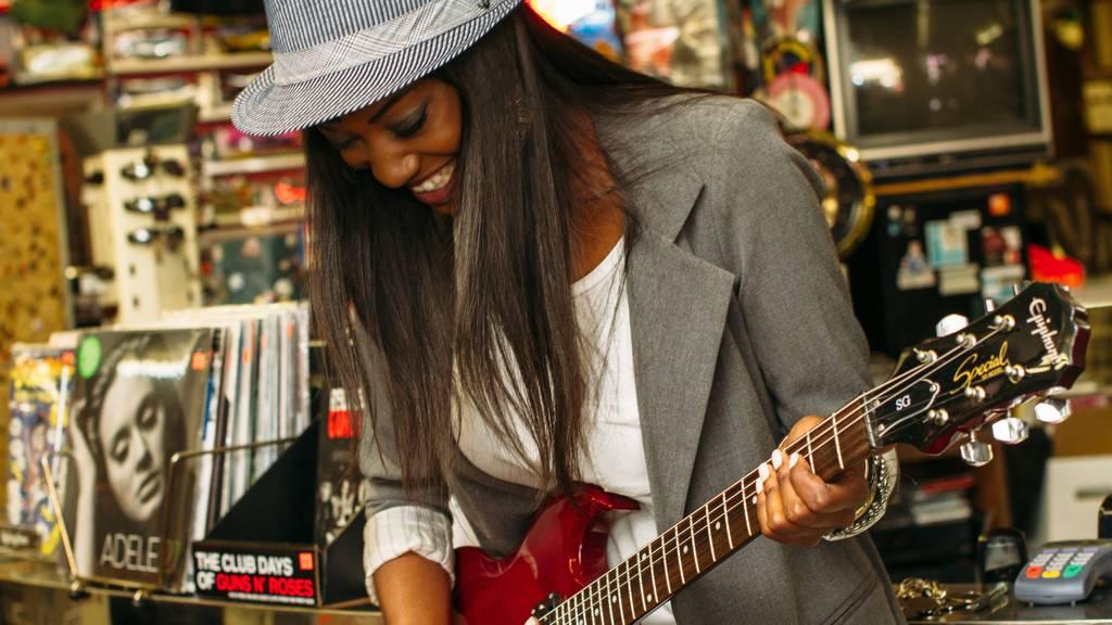 Frauen Musik Gitarre