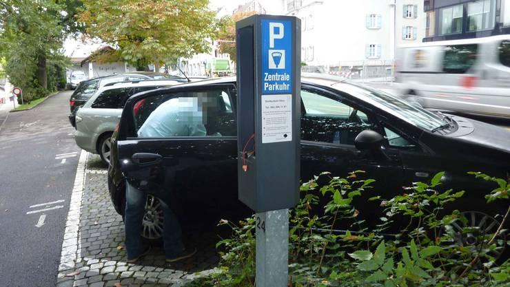 Dieser Parkautomat in Olten wurde ausgeraubt und beschädigt.