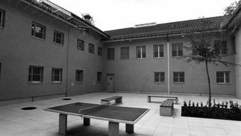 Im Gefängnis in Dielsdorf müssen inhaftierte Frauen für einen Teil der Kosten der medizinischen Versorgung selbst aufkommen.
