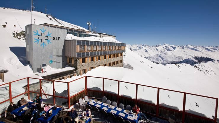 Einer von insgesamt drei Albert Mountain Awards geht dieses Jahr an das Institut für Schnee-und Lawinenforschung SLF.