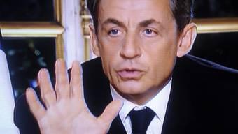 Sarkozy bereitet sein Land in einem Fernsehinterview auf harte Sparanstrengungen vor