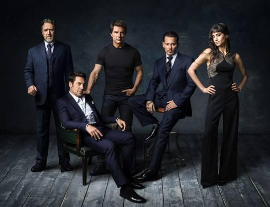 "Russel Crowe, Javier Bardem, Tom Cruise, Johnny Depp und Sophia Boutella. Fotografiert für ""Dark Universe"" in Johnny Depp's Haus in  Hollywood."